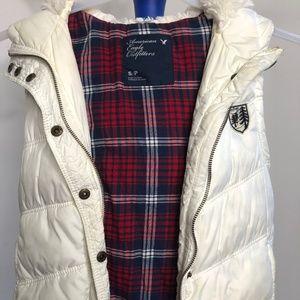 AEO Cream Puffer Vest Faux Fur Hoodie lining SM
